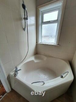 4 Piece Bathroom Suite + Toilet + Sink + Shower + Bath