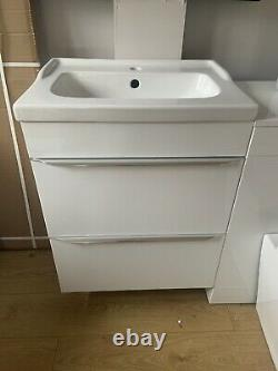 Back To Wall Toilet With Unit And Vanity Unit With Sink