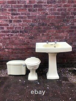 Vintage Bathroom Suite Yellow Art Déco Style Années 1950 Back Splash Shelf Sink Toilettes